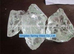 La decoración del acuario de piedras de cristal claro