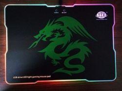 RGB de douane glanst Stootkussen van de Multifunctionele LEIDENE van de Aandrijving USB het Lichte RGB Muis van het Gokken