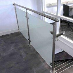 Escada de vidro em aço inoxidável Balustre de granito com grampo de vidro em aço inoxidável Corrimão