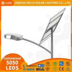 Il prezzo di fornitore IP65 impermeabile 20W alla lampada esterna LED di energia solare di energia 120W ha integrato tutti all'indicatore luminoso di via solare due