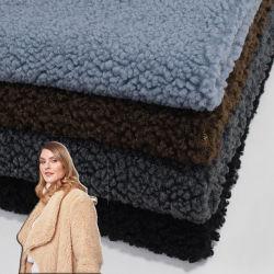 China Multi Color Custom Knitting Outdoor Fabric Softshell Fleece Fabric100 بوليستر بولي فلتس مطبق قماش faux Fur Sherpa لتآكل الملابس الخارجية سترة معطف ذات هودي