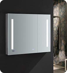 Banho de iluminação LED & Desembaciador de espelho de parede Multiuso Armário Organizador de armazenamento de armário de remédios Space Saver com 3 portas prateleira ajustável armário de cozinha