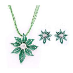 형식 호화스러운 입방 지르코니아 신부 보석은 녹색 타원형 수정같은 모조 다이아몬드 당 결혼식 보석 목걸이 세트를 놓는다