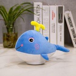 Registrazione di rotazione di modo che canta il giocattolo sveglio della peluche della balena