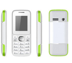 """1.8 """" fonctionnalité téléphone GSM, Dual SIM, MP3/MP4, caméra, Bluetooth, FM"""
