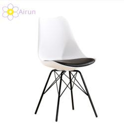 Le style nordique de la négociation de la formation d'ordinateur de bureau à domicile Loisirs Eames chaise de salle à manger