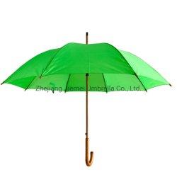 木シャフトの自動車の開いたまっすぐな傘