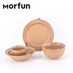 Gutes Preis-Gaststätte-nordisches keramisches Abendessen-Set-Hochzeits-Teller-keramisches Tafelgeschirr-heißer Verkauf