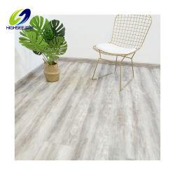 バージンの物質的な防水Unilinの贅沢な板クリックのビニールの床