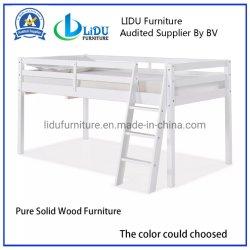 マツ木表の本箱のスライドの一義的なベッドが付いている普及した子供部屋の固体木のシングル・ベッド