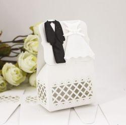 De Europese Decoratie van het Huwelijk van de Dozen van het Suikergoed van het Huwelijk van de Bruid & van de Bruidegom van het Kostuum van de Doos van het Suikergoed van het Kostuum Leuke Zwarte Witte Kleding Gevormde