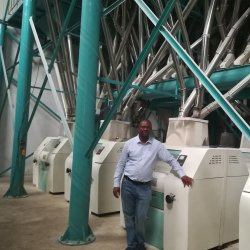 كينيا جار حبّ ذرة [كرن فلوور] وجهة حاكّ حصباء يجعل آلة حبّ ذرة مطحنة آلة