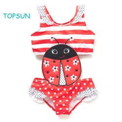 Baby-Badebekleidung rote PUNKT Oberseite und Bikini-Fußleiste mit 2 Stück-Badebekleidungs-Insekt-Stickerei-Änderungen am Objektprogramm