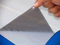 El 20%, el 30%, el 40%, 50% de transmitancia de Vinilo adhesivo perforado la visión de una forma de gráficos para la impresión solvente