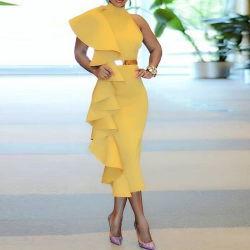 黄色い袖なし服のパッチワークの層のひだの夕食の夕方のパーティー向きのドレスを細くしなさい