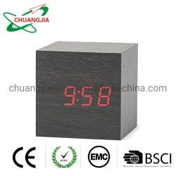 침실을%s 나무로 되는 전자 LED 시간 전시를 가진 디지털 자명종