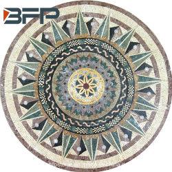 Medallón de mosaico de mármol de estilo libre en el patrón de piezas cortadas