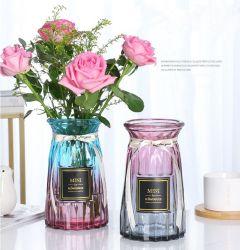 Die moderne transparente Striped Vertikale prägte farbigen Glasvase