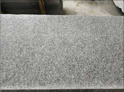 G623 chinois en pierres naturelles polies carreaux de granit gris pour l'étage mur