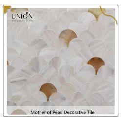 لون أبيض مختلط لون أصفر شفة Seashell أفضل بيع المنتجات MOP رقائق الفسيفساء المصقولة من شل Mosaic البلاط مع مخصص التصميم