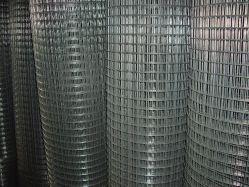 0,5mm-3,0mm PVC-beschichtet heiß getaucht Verzinkt geschweißte Eisen Drahtgeflecht Für Fechten