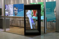 Scatola di presentazione olografica con il riproduttore video, facente pubblicità all'ologramma