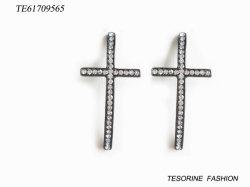 Les plus populaires de la Croix de la mode avec Crystal Earring