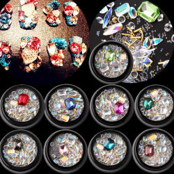 Un micro cristallo di 2018 del commercio all'ingrosso del chiodo di arte stili brillanti di disegno 9 borda la pietra di cristallo della decorazione Mixed del chiodo 3D per arte del chiodo