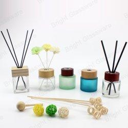 Vérin de meilleure qualité Aroma Diffuseur en verre bouteille avec Reed bâtons en rotin et bouchon à vis en bois pour le commerce de gros
