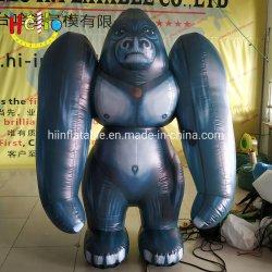 Marche à pied de la mascotte des animaux de costume de gorille gonflable
