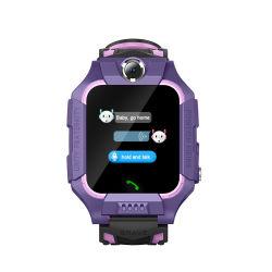Het nieuwe Mobiele Horloge van de Telefoon met VideoGPS die van de Vraag de Waterdichte Slimme Armband van het Jonge geitje plaatsen