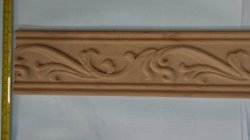 A moldura de madeira maciça esculpida CNC