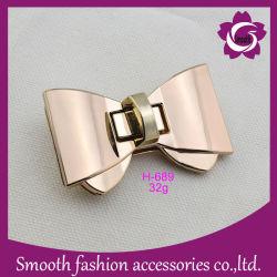 Lederne glänzende Bowknot-Form-Beutel-Drehung-Verschluss-Handtaschen-Zubehör-Befestigungsteile