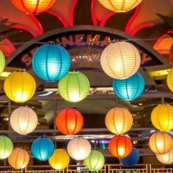 Venta caliente barata varios Color Ronda China linterna de papel para la decoración de Boda