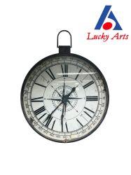 旧式なホーム装飾のハングを用いる円形の金属の柱時計