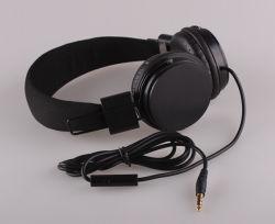 Fone de ouvido estéreo com fio colorido com microfone para iPhone para a Samsung para auscultadores para a LG HTC