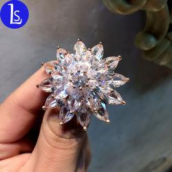 De Broche van het Metaal van de Sneeuwvlok van Kerstmis van de Juwelen van Artificail van de manier met Kristal Zircon