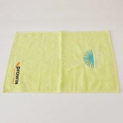 Kundenspezifische normale gefärbte kleine Tuch-preiswerte Stickerei-Firmenzeichen-Tuch-Baumwolle 100% der Hand2019