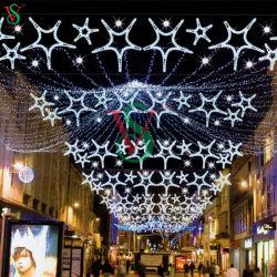 Рождество привели мотивы уличных фонарей освещения каната