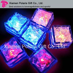 Cubo di ghiaccio di plastica infiammante dell'indicatore luminoso del LED