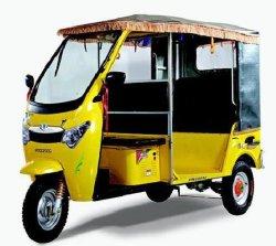 Tres ruedas para los pasajeros y carga triciclo eléctrico // /// Taxi Eco friendly