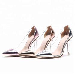 Новые моды дамы ясно вертикально и транспарентной официальных обувь