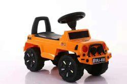音楽およびライト子供の手段のおもちゃが付いている車の子供のおもちゃ車の赤ん坊の乗車