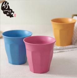 生物Ecoのプラスチック食品等級Composableは多数タケファイバー300mlのコップおよびマグを着色する