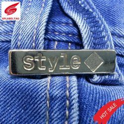 As vendas de forma personalizada as etiquetas de metal de Fractius para vestuário