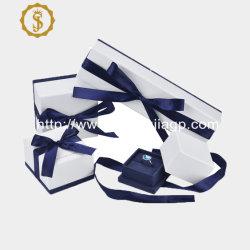 الصين الشركة المصنعة الجديدة تصميم الجملة ورقة صندوق مجوهرات مع الشريط