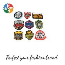 양각된 맞춤형 브랜드 이름 3D 로고 의류에 바느질합니다 부드러운 PVC 고무 패치 라벨 의류나 텐트용 바이지