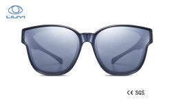Heißer Plastiksitz der Verkaufs-Form-Tr90 über Sonnenbrillen mit Tac-polarisiertem UVobjektiv für Mann-Frauen-Modell 3050