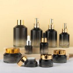 La última ronda de nuevo diseño de perfumes cosméticos de frasco de vidrio cuadrado con bomba