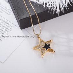 Ornamento Charming della collana delle stelle della catena semplice del maglione di modo